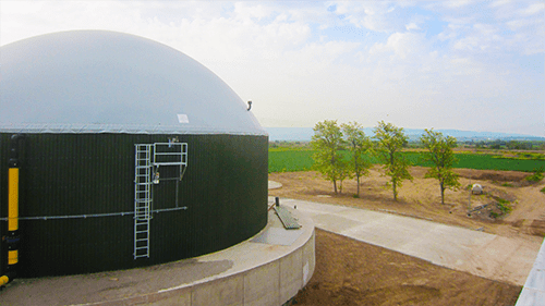 This double membrane roof is often used in the biogas industry and is extremely suitable as a cover for silos where sustainable energy is generated or stored. Click here for more information about the product Flexxodomer.